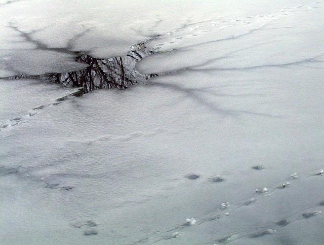 thin-ice-17996_640