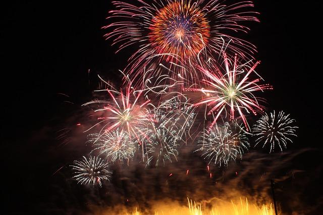 shakadogawa-fireworks-610717_640